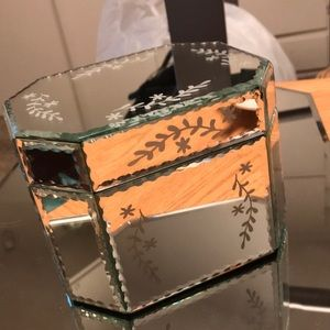 Jewelry etched mirrored glass box